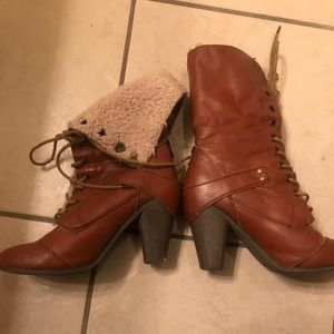 Nine West boots size 8.5